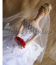 Liga com flor inspirada  na noivinha linda de Tecendo Sonhos
