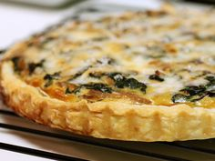 Recipe of the Month: Mushroom-Shallot Quiche - Savory Spoon Cooking School & Culinary Travel Best Slow Cooker, Slow Cooker Recipes, Crockpot Recipes, Cooking Recipes, Quiche Lorraine, Quiche Originale, Quiches, Italian Recipes, Gastronomia