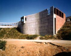 Escuela E.G.B y Parvulario   Valle de Hebron, Barcelona   Emilio Donato