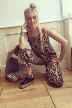 12 Times Celebrities Were Spotted Wearing High Street Top shop 2018 - Stylish Outfits, Fashion Outfits, Fashion Ideas, Curvy Fashion, Fashion Looks, Fearne Cotton, Midi Skirt Outfit, Designer Jumpsuits, Jumpsuit Pattern