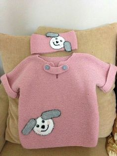 Easy Kids Sweater with Half Sleeve Figure Ornament Knitted as Haraşo … - Crochet Knitting For Kids, Baby Knitting Patterns, Crochet For Kids, Knitting Designs, Knitting Socks, Knit Crochet, Sweater Patterns, Knitted Baby Cardigan, Baby Pullover