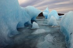 Beautiful, dramatic photographs from James Balog and the Extreme Ice Survey