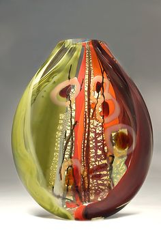 Sedona by Randi Solin .Gold ruby frit, Hand drawn Sahara, fine silver foil from Japan, Black cane. The background is a beautiful burgundy, sage green and an orange - red glass. Glass Vessel, Glass Ceramic, Ceramic Art, Blown Glass Art, Art Of Glass, Glass Artwork, Fused Glass, Stained Glass, Clear Glass