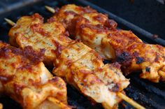 Bacon Bourbon Barbeque Chicken Kabobs Chicken Skewers, Bbq Chicken, Chicken Recipes, Meat Recipes, Grilling Recipes, Cooking Recipes, Good Food, Yummy Food, Yummy Treats