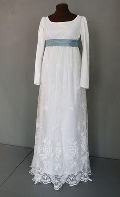Green ribbon for Georgiana Regency Wedding Dress, Regency Dress, Regency Era, Jane Austen, Old Dresses, Vintage Dresses, Historical Clothing, Costume Design, Dress Making