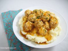 Chicken meatballs with gravy