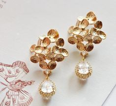 Floral Bridal Earrings, Gold Wedding Earrings, #weddingearrings #romanticwedding #hydrangeaearrings #flowerearrings #statementearrings #goldbridalearrings #floralearrings #bridalearrings #earringsforbride #bridaljewelry #vintagestyle #golddangleearrings #golddropearrings