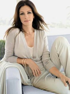 Julia Roberts Simple style