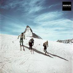 SWITZERLAND. Zermatt. 1950. Skiers and the Matterhorn//Robert Capa