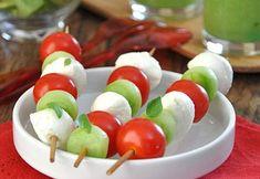 Mini-brochettes de concombre mozza-basilic - recette Interfel - Les fruits et légumes frais