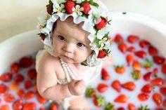 ideas for photography baby girl milk bath Milk Bath Photography, Children Photography, Newborn Photography, Photography Tips, Strawberry Baby, Strawberry Ideas, Strawberry Pictures, Baby Milk Bath, Milk Bath Photos