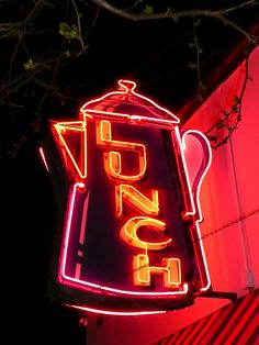 I see this every time i go to my Sister's house.....Kenosha, WI Coffee Pot neon sign