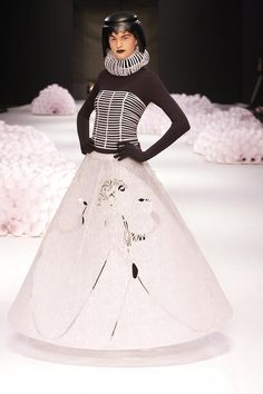 Paper clothing by Jum Nakao.