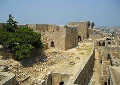 (Cidadela em Trípoli) - O conde Raimundo III de Trípoli foi uma figura importante da história de Jerusalém devido à sua estreita relação com a casa real. Foi regente deste reino em duas ocasiões, primeiro em nome do jovem Balduíno IV, de 1174 a 1177, e depois em nome de Balduíno V, de 1185 a 1186.
