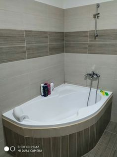 Bedroom Color Schemes, Bedroom Colors, Modern House Facades, Facade House, Bathroom Inspiration, Corner Bathtub, Sweet Home, Dreams, Decoration