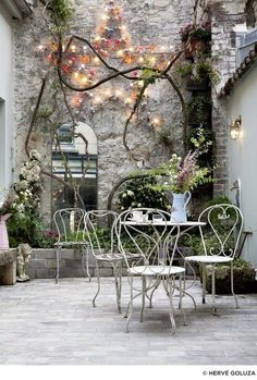 Best patio decorating ideas for A backyard guide to the essentials to make your outdoor space inviting, comfortable and functional. Read our expert tips for the perfect outdoor patio space. For more patio ideas go to Domino. Outdoor Rooms, Outdoor Gardens, Outdoor Living, Outdoor Decor, Outdoor Mirror, Sweet Home, Paris Design, Paris Hotels, Interior Exterior