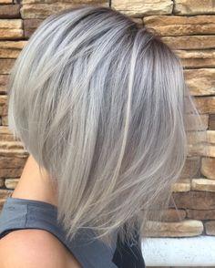 #greyhair #grayhair #shadowroot #bob #aline #shorthair @hairlifebyemily #tampahair #grannyhair
