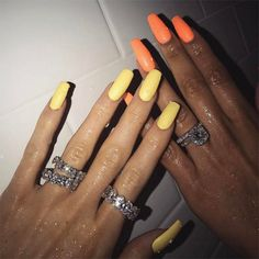 OBSESSED with Kylie Jenner's nails! See more of Kylie Jenner's best nail looks (plus every nail shape she's ever worn) right here. Acrylic Nails Coffin Matte, Acrylic Nail Shapes, Coffin Nails, Neon Yellow Nails, Orange Nails, Pastel Yellow, Black Nails, Trendy Nails, Cute Nails