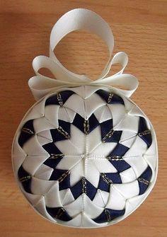 Falešný patchwork - vánoční koule podruhé