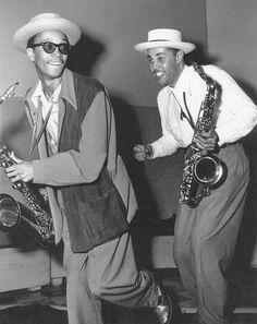 "plonkeepoos: ""Wardell Gray & Dexter Gordon "" 50,000 #Jazz & #Blues Tracks & Pics https://twitter.com/JazzBreak1 Help Others … #jazz"