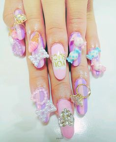 mermaid nails~ @Heather Cumbie-Vivona - that's a little extreme - don't think your 'guy' could do that!!!!
