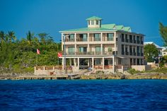 Divetech @ Lighthouse Point in West Bay, Grand Cayman