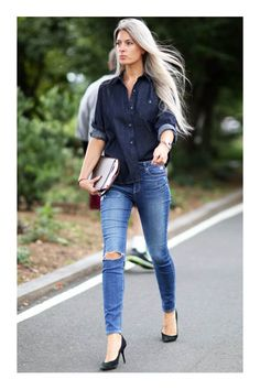 No one does denim on denim better than Sarah Harris. From: NYFW Street Style Day Sarah Harris's Fashion Week look doesn't try too hard. Nyfw Street Style, Looks Street Style, Cool Street Fashion, Look Fashion, Womens Fashion, Fashion Tips, Fashion 2015, Fashion Editor, Fashion Beauty