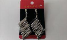 Diamond Earrings, Drop Earrings, Jewellery, Jewels, Schmuck, Drop Earring, Jewelry Shop, Jewlery, Jewelery