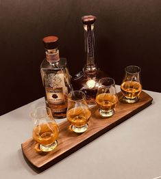Whisky Whiskey Bourbon Scotch Tasting Flight - Solid Walnut - 4 Glencairn Glass Set Serving Tray - Whiskey Lover Gift - Can Be Personalized! Whiskey Gifts, Whiskey Cocktails, Scotch Whiskey, Whiskey Glasses, Bourbon Whiskey, Whiskey Bottle, Raspberry Cocktail, Vanilla Milkshake, Color Streaks