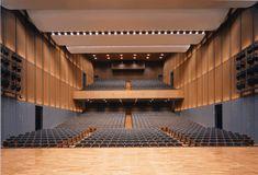 Auditorium Architecture, Theatre Architecture, Auditorium Design, Interior Architecture, Landscape Architecture, Church Interior Design, Church Stage Design, Lecture Theatre, Public Space Design