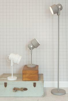 Een ouderwetse industriële lamp in een modern jasje #lamp #lighting