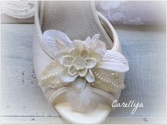 Wedding Shoe Clips, Bridal Shoe Clip White And Ivory FLOWER BLOSSOM