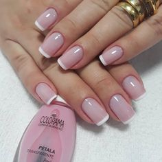 Want some ideas for wedding nail polish designs? This article is a collection of our favorite nail polish designs for your special day. Read for inspiration White Tip Nails, French Tip Nails, Cute Nails, Pretty Nails, Wedding Nail Polish, Natural Nail Designs, Make Up Inspiration, Bride Nails, Manicure E Pedicure