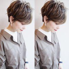 """ショートボブ✂️渋谷美容師✂️パーマ *土田哲也✴︎ on Instagram: """"[#Tショート ] cool✖︎casual✖︎coquettishな女性に ・ #ハンサムマッシュ パーマで洒落感をプラスしましょう ・ 日本人の硬くて太い髪質でも外国人の様な立体的で柔らかい質感にカット、カラー、パーマで表現します。 ・…"""" Short Hair Model, Medium Short Hair, Short Wavy Hair, Short Hair With Layers, Short Hair Cuts For Women, Medium Hair Styles, Short Hair Styles, Chic Haircut, Stylish Short Hair"""