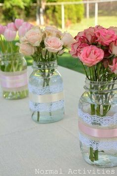 This DIY garden party deco gives your summer party atmosphere . DIY Dekoideen DIY Garden Party Deco – floral decoration for garden parties - Garden Party Decorations, Wedding Decorations, High Tea Decorations, Vintage Party Decorations, Diy Decoration, Decorations For Bridal Shower, Baby Shower Girl Centerpieces, Christening Table Decorations, Bachelorette Decorations