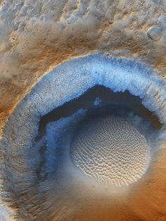 HiRISE image of an unnamed crater on Mars, color-enhanced. 279 kilometers above the surface when this image was taken. The image covers an area of approx. 1 km. of Arizona/NASA Earth And Space Science, Earth From Space, Science And Nature, Cosmos, Hubble Space, Space And Astronomy, Sistema Solar, Constellations, Mars Planet