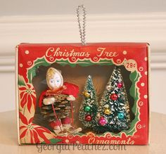 Vintage Ornament Box Diorama - Georgia Peachez