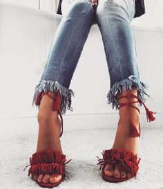 Frayed jeans & cute shoes!!!