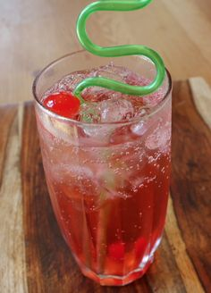 How to Make a Shirley Temple | RecipeBoy