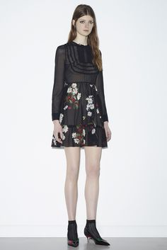http://www.style.com/slideshows/fashion-shows/resort-2016/red-valentino/collection/41