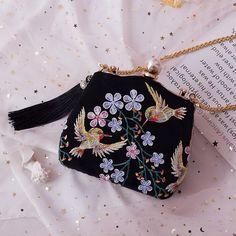 Backpack Purse, Fashion Backpack, Girly Backpacks, Frame Purse, Cute Bags, Vintage Bags, Ribbon Embroidery, Playing Dress Up, Beautiful Hands
