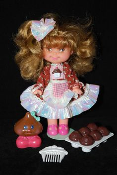 1988 Vintage Cherry Merry Muffin Doll Chocolottie w/ Friend Chocolate Drop: This doll smelled amazing. I still have that little chocolate chip somewhere. 80s Girl Toys, Toys For Girls, Childhood Memories 90s, Childhood Toys, Strawberry Shortcake House, Dolls From The 80s, Cherry Merry Muffin, Retro Toys, 90s Kids