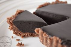 Mini Chocolate Hazelnut Tart {paleo, vegan, raw}   Our Paleo Life