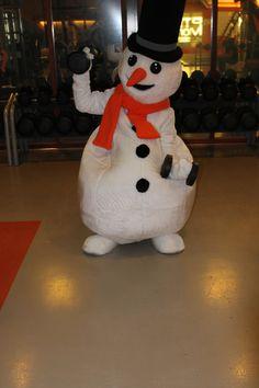 Welkom allemaal in mijn Snowparadijs! Even de gymsessie aflsuiten met wat dumbells. Laat die spierballen maar groeien!