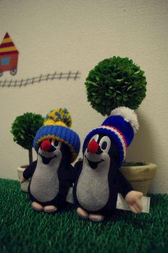 krteks from Check. Mole, Favorite Things, Crochet Hats, Christmas Ornaments, Holiday Decor, Check, Kids, Home Decor, Knitting Hats