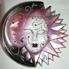 OMG!!  A Venetian Mask MOON!  Found this on venetianmasks-venetianmasks.blogspot.com  I am so in love with this!!