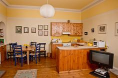 Fencefoot Farm Cottage, Fence Bay, Fairlie, Ayrshire, Scotland. Pet Friendly Self catering Holiday Cottage in Scotland.