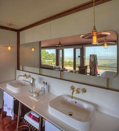 Angama Mara Safari Lodge in Kenya by Silvio Rech and Lesley Carstens and ID Annemarie Meintjes New Safari, Rift Valley, Bathroom Interior Design, Hotel Reviews, Lodges, Home Goods, Sweet Home, House, Bathrooms