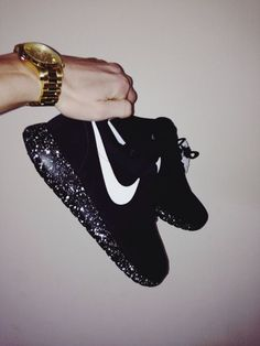 Shoes: black nike nike air air max black and white galaxy jewels white starry nike, black, nike..want these so bad❤