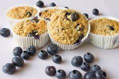 Havermout muffins met blauwe bessen Pie Dessert, Dessert Recipes, Desserts, Healthy Sweets, Healthy Cooking, Healthy Food, Healthy Recipes, Skinny Muffins, Good Food